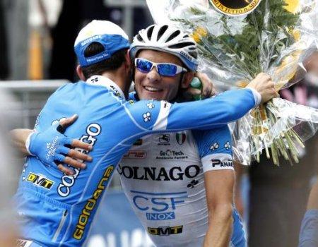 Manuel Belletti se emocionó mucho al celebrar el triunfo de etapa en el Giro de Italia