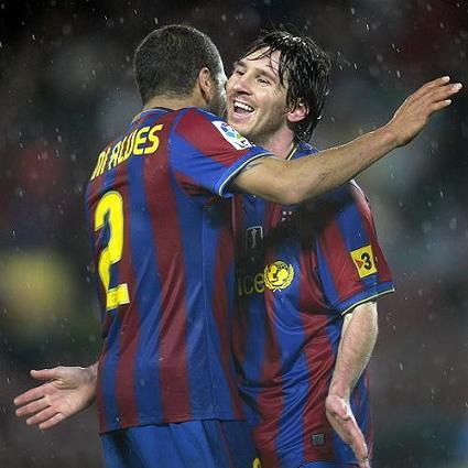 Messi consigue otro doblete