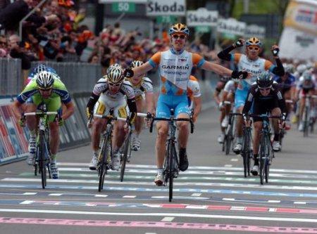 Tyler Farrar ganó la primera etapa del Giro de Italia resuelta al sprint