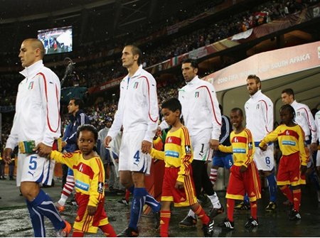 La selección de Italia se juega hoy su prestigio internacional ante la selección de Eslovaquia