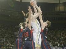 Semifinales Liga ACB: el Real Madrid vuelve a ganar a Caja Laboral y habrá quinto partido en Vitoria