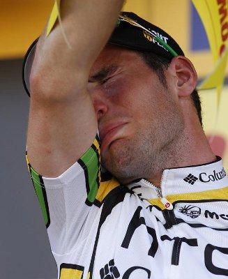 Mark Cavendish no pudo contener las lágrimas tras ganar la quinta etapa del Tour de Francia 2010