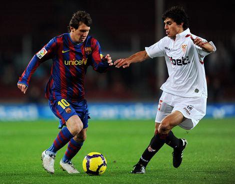 Barcelona y Sevilla disputan el primer titulo del año