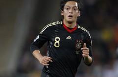 Özil ya es oficialmente jugador del Real Madrid