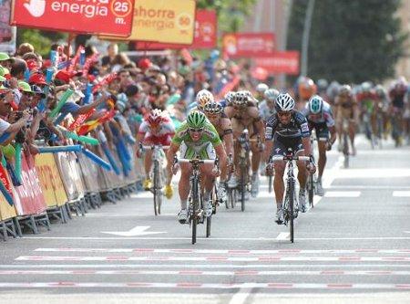 Mark Cavendish consiguió su tercer triunfo al sprint