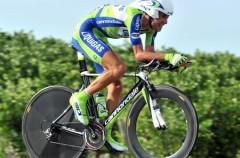 Vuelta a España 2010: Nibali recupera el maillot de líder pese a las averías