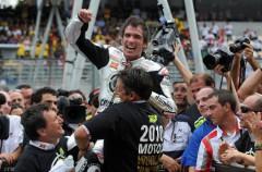 Toni Elías es campeón del Mundo de Moto2