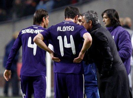 La UEFA castiga al Real Madrid con fuertes multas y a Mourinho con 2 partidos