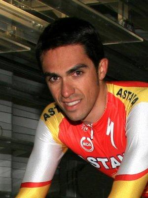 Alberto Contador sigue sin conocer su futuro