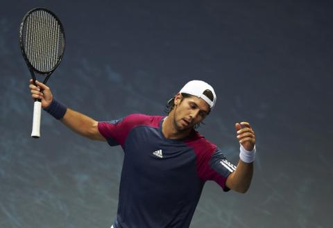 ATP Basilea: Federer y Roddick avanzan, Berdych eliminado; ATP Valencia: Verdasco y Murray eliminados, avanza Monfils