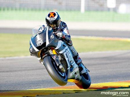 Lorenzo ya luce el número 1 en su Yamaha