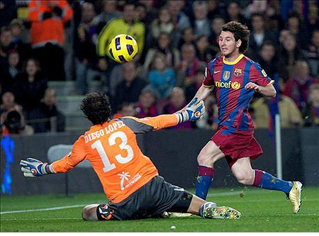 Leo Messi marcó 2 goles al Villarreal