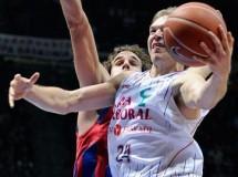 Liga ACB Jornada 8: Caja Laboral se impone al Regal Barcelona y a los árbitros en un intenso partido