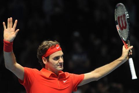 Roger Federer se mete en la final de Londres