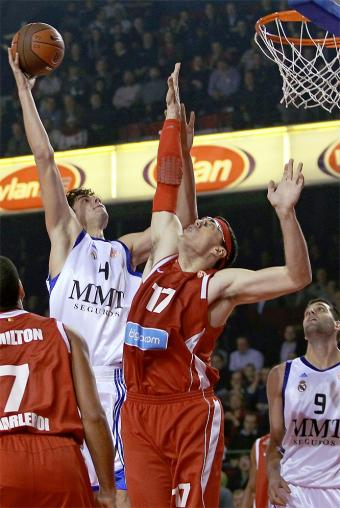 Tomic y Santiago
