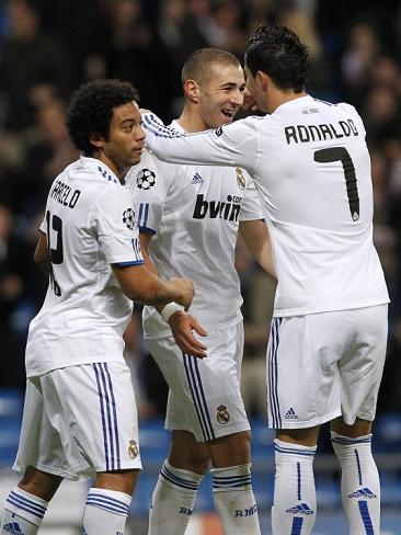 Liga de Campeones 2010/11: el Real Madrid golea al Auxerre y Benzema se reivindica con tres goles