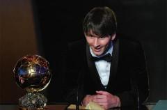 Leo Messi arrebata el FIFA Balón de Oro 2010 a Xavi Hernández y Andrés Iniesta
