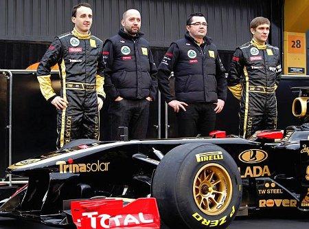 Petrov y Kubica posan con su nuevo Lotus Renault