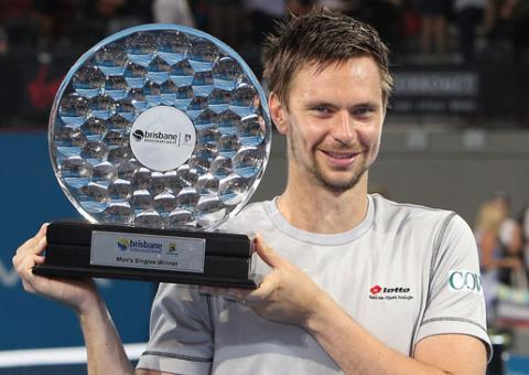soderling-with-trophy-w.jpg