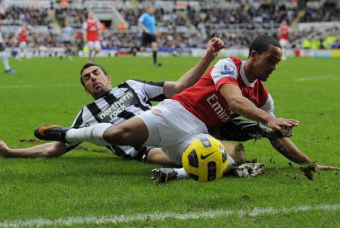 Arsenal y Newcastle protagonizan un partido loco