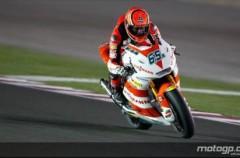 GP de Qatar de motociclismo: Bradl se lleva el triunfo en Moto2 donde Simón fue décimo y Marc Marquez se fue al suelo