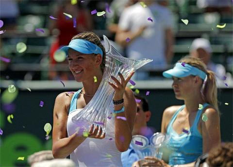 Azarenaka gana a Sharapova en la final de Miami