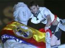 Copa del Rey 2010/11: el Real Madrid celebró la victoria en Cibeles donde el trofeo acabó arrollado por el autobús