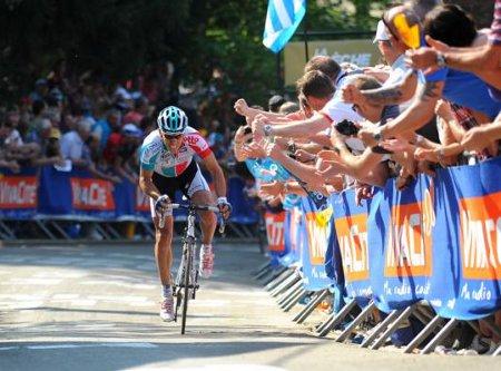 Gilbert escala el muro de Huy hacia la victoria en la Flecha - Valona