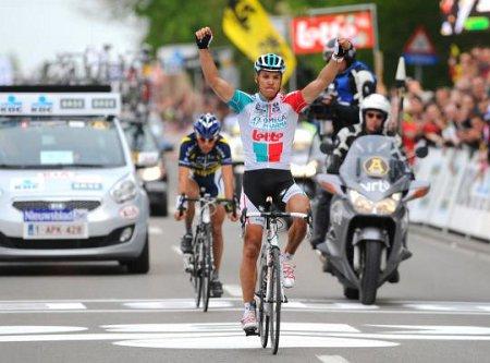Gilbert celebra la victoria en la Flecha-Barbazona 2011