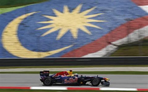 Mark Webber comienza mandando en Sepang