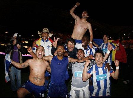 El Oporto celebró el título de campeón de liga a oscuras