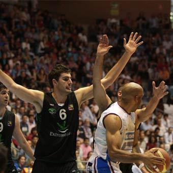 Adecco Leb Oro Playoffs 2011: Obradoiro, Girona y Burgos dominan por 2-0, León y Breogán empatan a uno