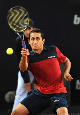 ATP Hamburgo: Nicolás Almagro y Gilles Simon finalistas