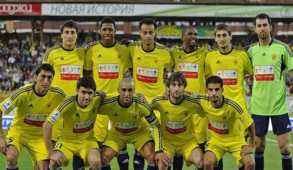 Roberto Carlos ejercerá de entrenador-jugador en el Anzhi