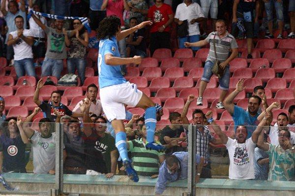 El delantero uruguayo Cavani, goleador del Napoles