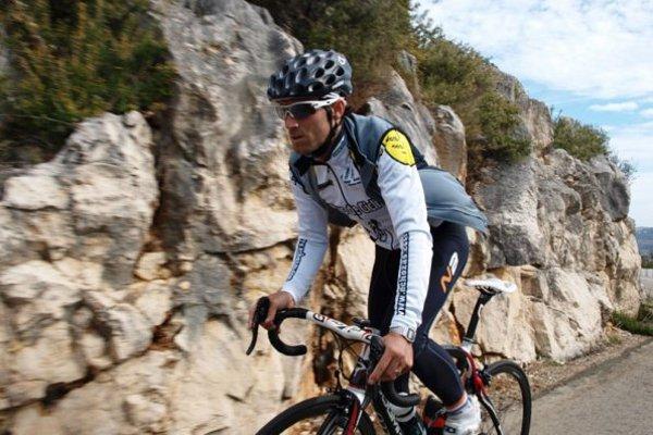 Alejandro Valverde entrenando para no perder la forma
