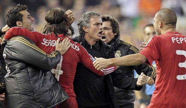 Sergio Ramos dedica su gol a Mourinho