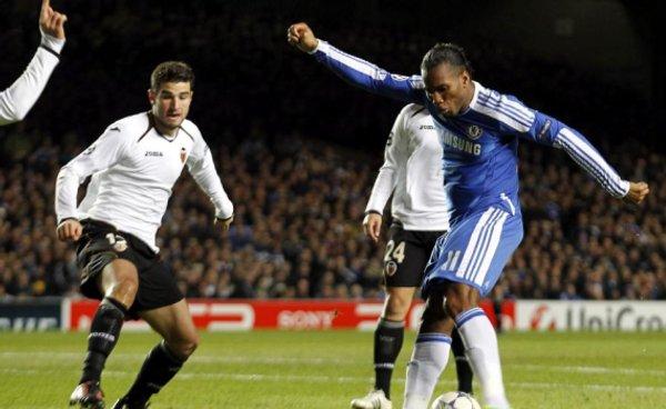 Los goles de Drogba sentenciaron al Valencia