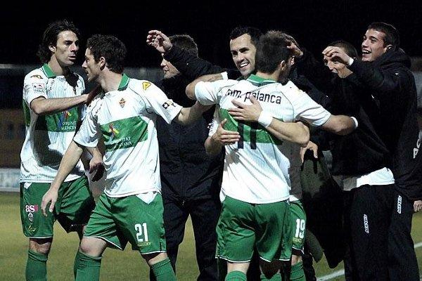 El Elche continúa de líder de Segunda División