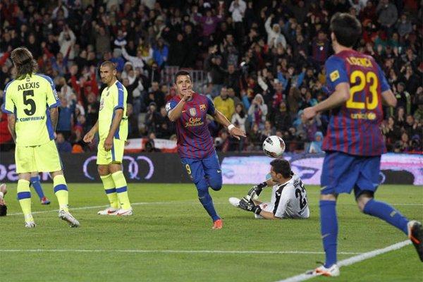 Alexis marcó dos goles ante el Getafe