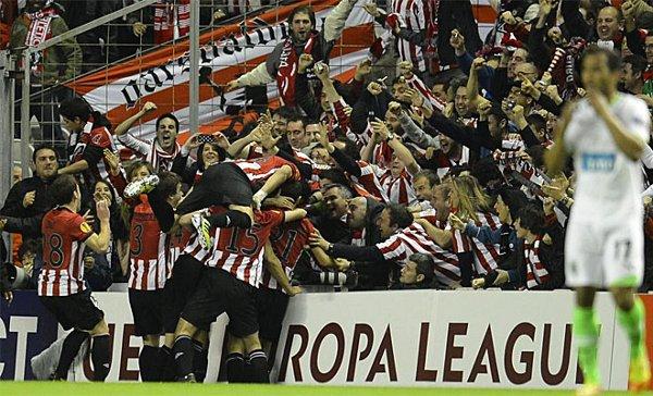 El Athletic celebra su clasificación a la final de la Europa League