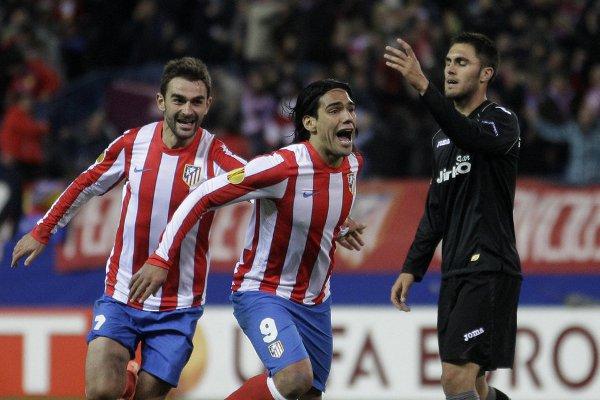 Falcao y Adrián fueron una pesadilla para la defensa del Valencia