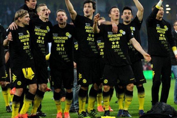 Los jugadores del Borussia celebran el título de la Bundesliga