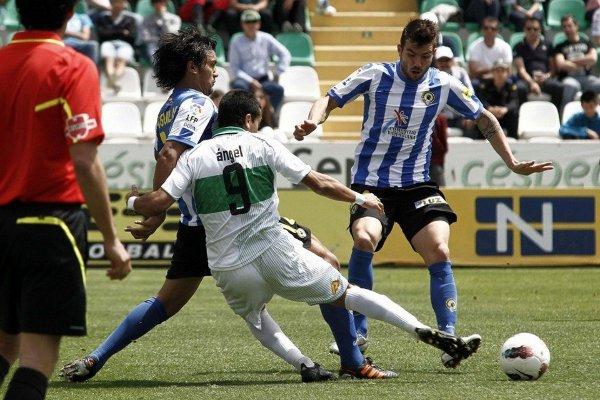 Hércules goleó a Elche en el derby de Alicante