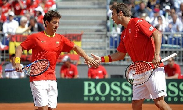 Copa Davis 2012: Austria gana el partido de dobles y fuerza la jornada del domingo