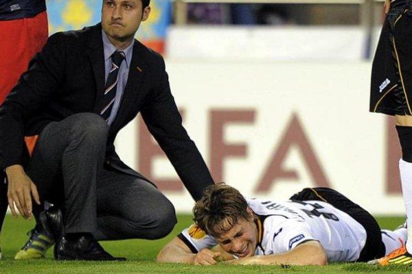 Momento en el que Sergio Canales se lesiona