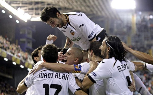 El Valencia celebra su pase a semifinales de la Europa League