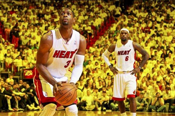 Lebron James y Dwyane Wade llevan a Miami a la final del Este