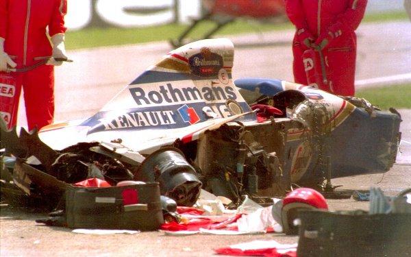 Así quedó el coche de Senna tras su accidente mortal