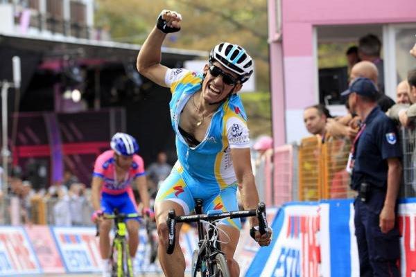 Tiralongo gana una etapa en el Giro de Italia